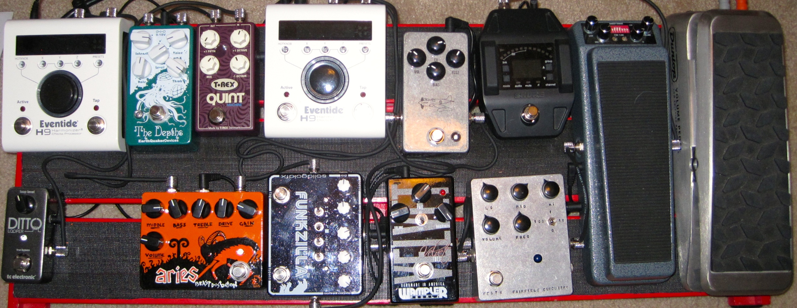 Kirsten Ray's Pedalboard